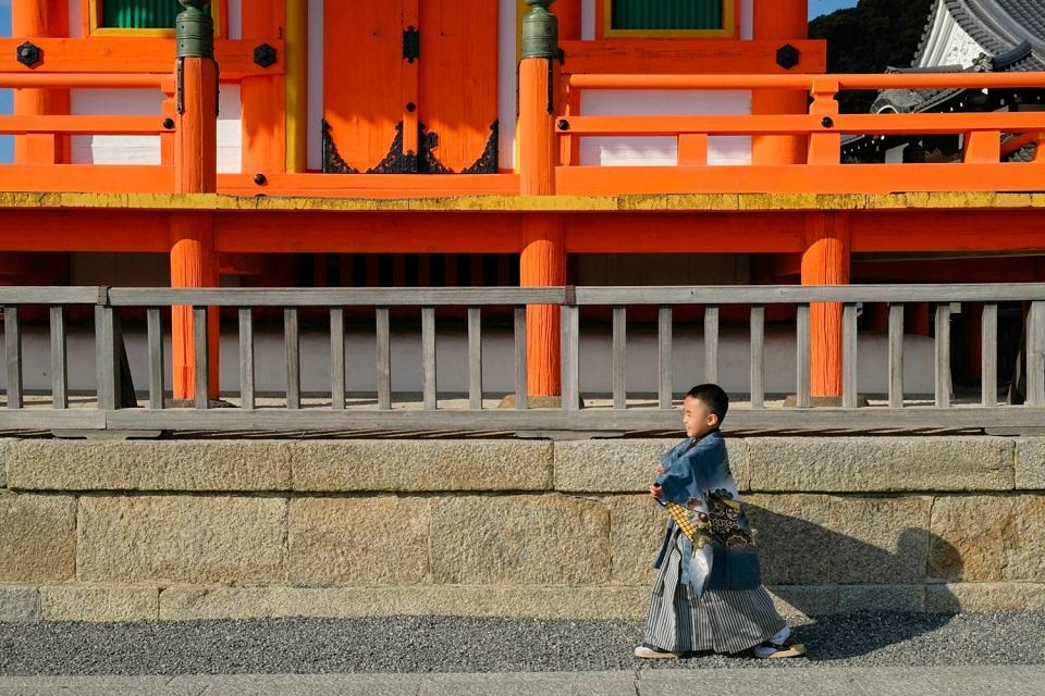 Kyoto's Finest: Cherry Blossom Season - EYExplore - A boy wearing a kimono at Kiyomizu Dera Temple.