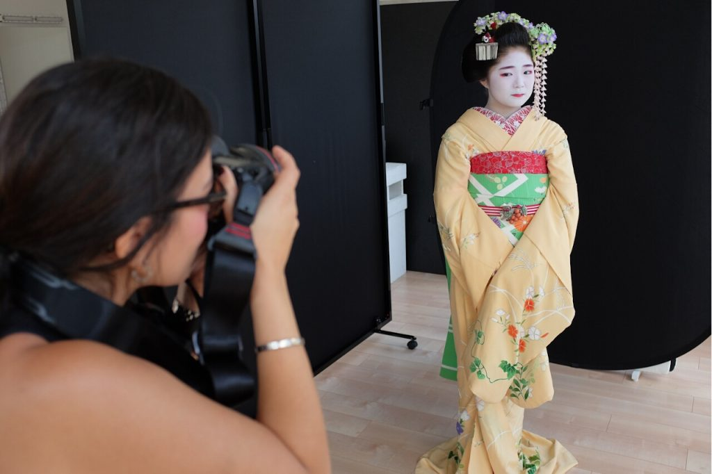 Behind The Mask Geisha Pro Photo Shoot-Safaa takes photos of Masano