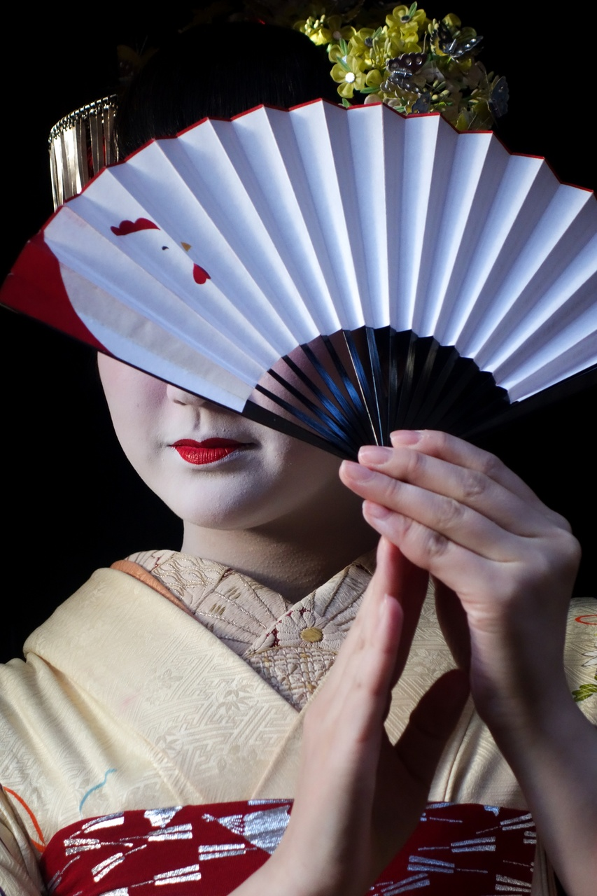 Geisha Photo Shoot - EYExplore Photo Adventures