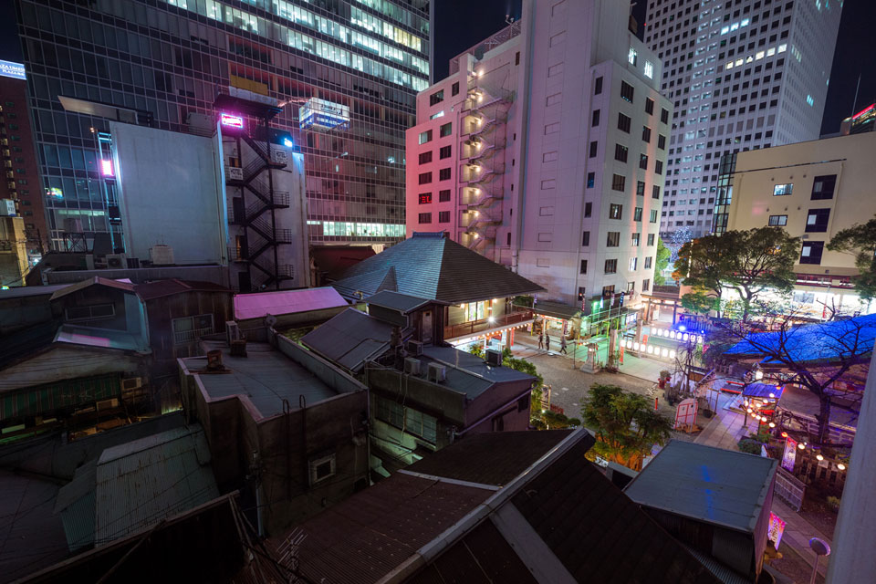 Osaka Photography Workshop Cyberpunk Rooftop Urbex — EYExplore